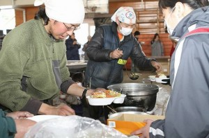 Providing hot meals